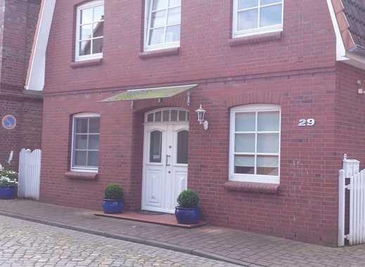 Gehobene, lichtdurchflutete 4-Zimmer-Maisonette-Wohnung mit Balkon und EBK in Neuhaus, Cuxhaven