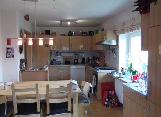 Hohenbostel mit Einbauküche, 1 Balkon, 1 Loggia und 1 Dachterrasse