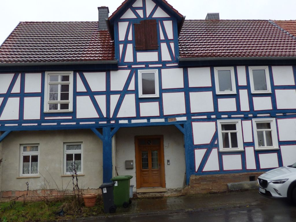 Ökonomisches Haus kernsaniert in Zierenberg/OT mit Fußboden ...