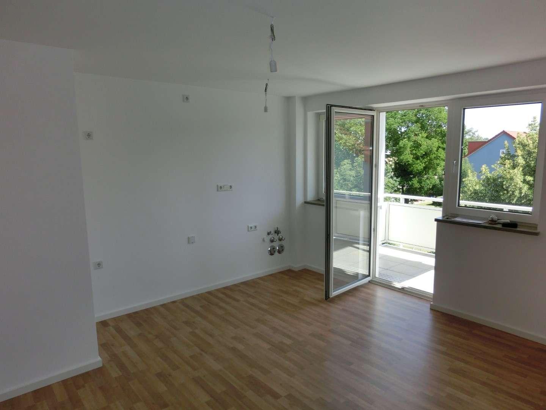 Frisch renoviert! 3-Zi-Wohnung mit offenem Küchenbereich in Ingolstadt in Nordwest