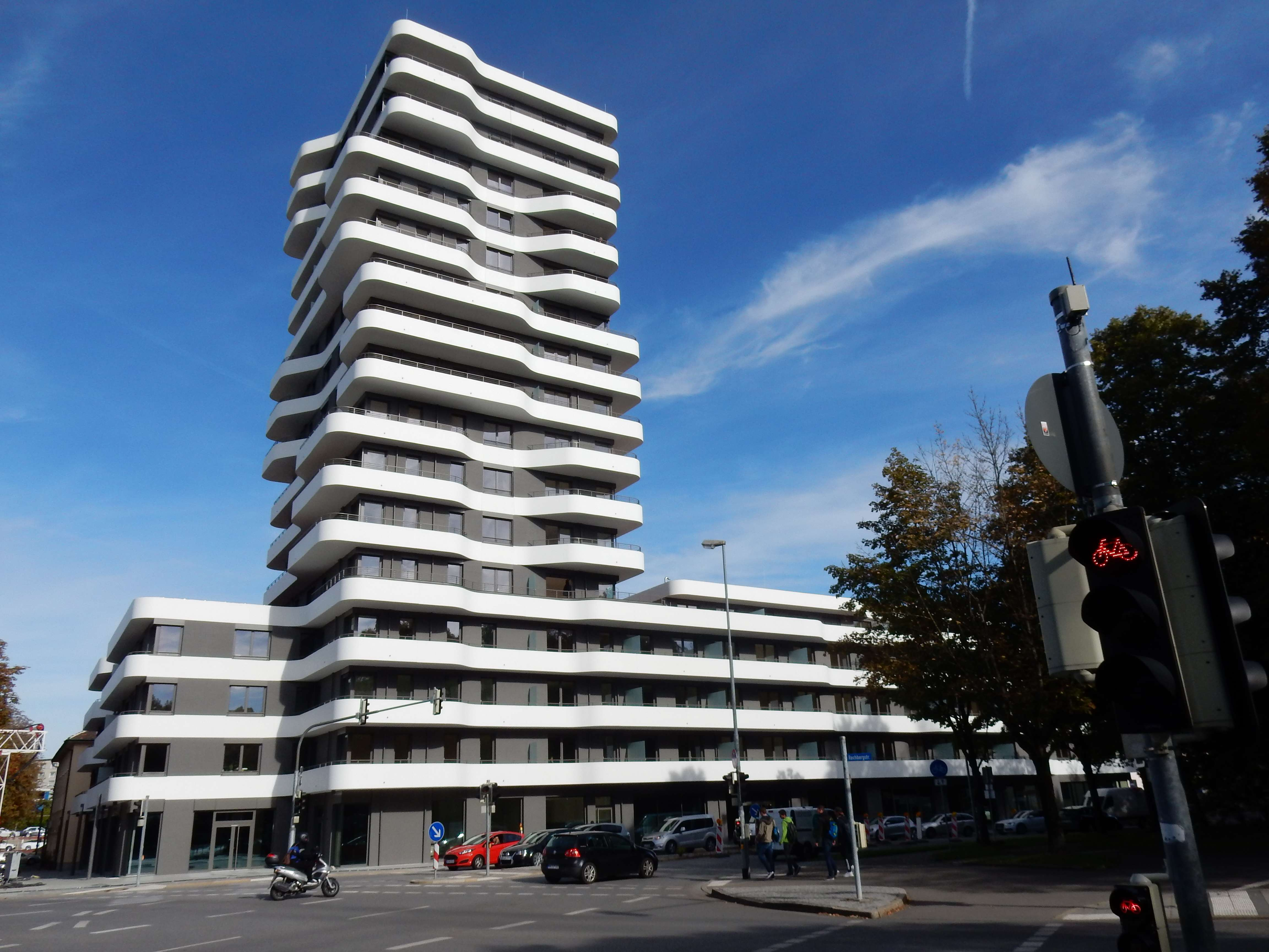 Wohnung mit EBK und Balkon: Exclusive einmalige 2-Zimmer Wohnung in Ingolstadt
