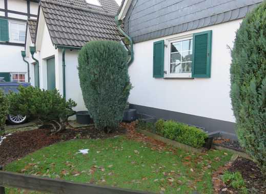 Gepflegte 2-Zimmer-Wohnung mit Garage, Terasse und EBK in Velbert