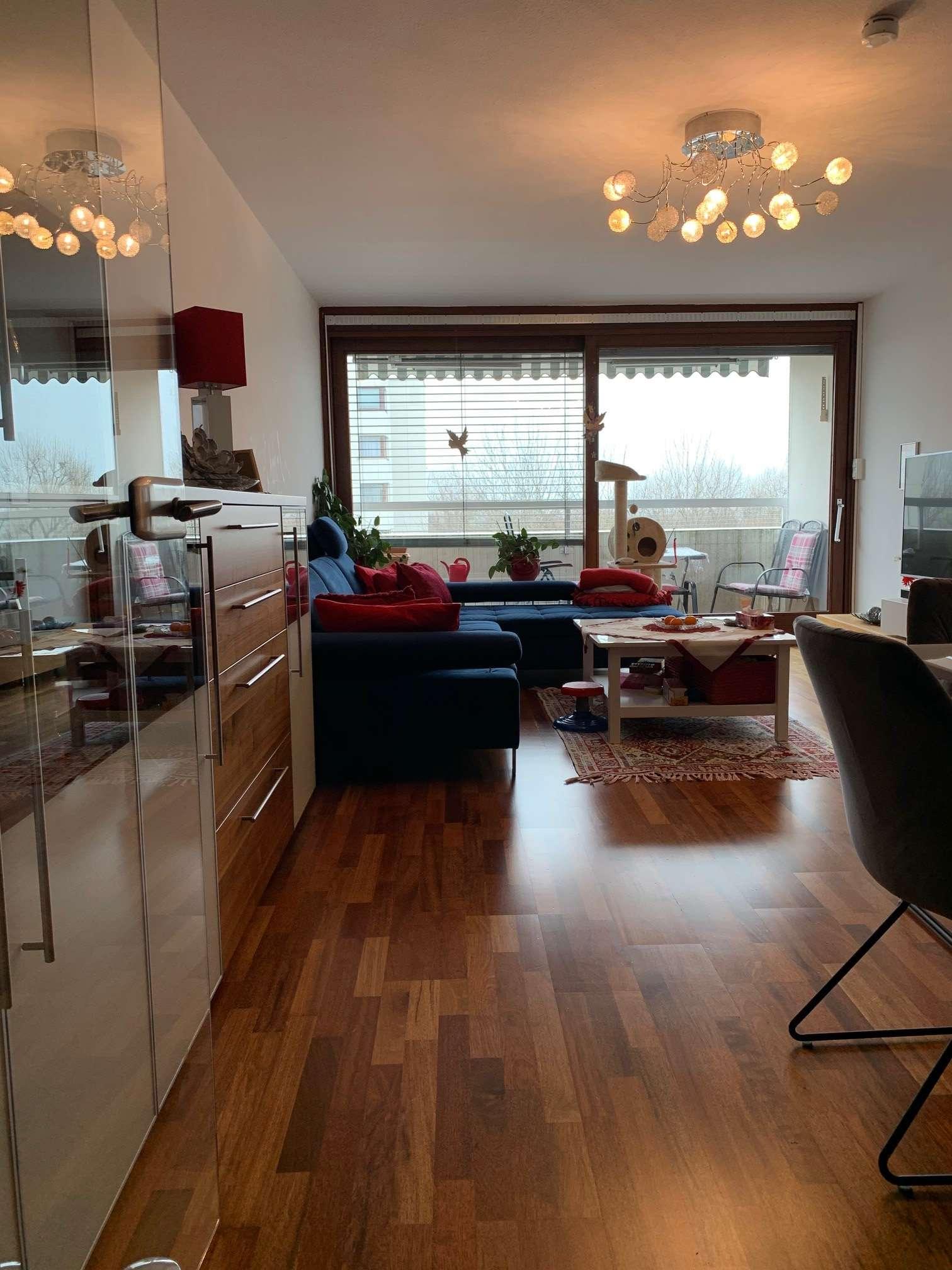 Exklusive, gepflegte 3-Zimmer-Wohnung mit Balkon und Einbauküche in Gröbenzell in