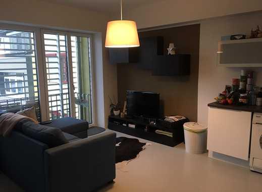 Moderne, helle 2,5/3-Zimmer-Wohnung mit Balkon in Stuttgart Bad Cannsatt