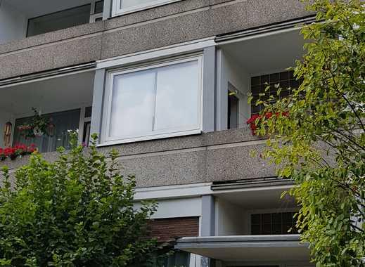 2-Zimmer-Wohnung mit 2 Balkonen in Kaiserswerth