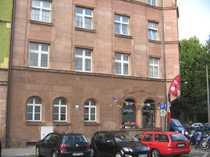 Top-sanierte drei Zimmer Altbau-Wohnung im