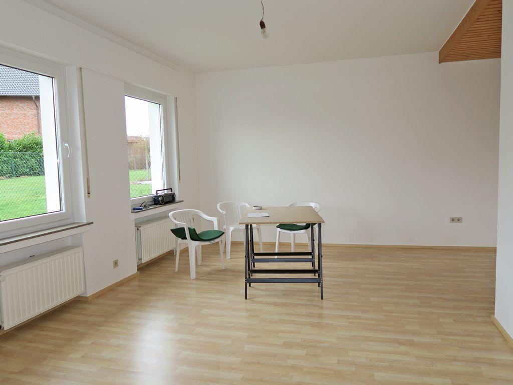 Wohnzimmer-/Esszimmer