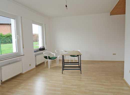 Großzügige, helle 3 Zimmer-Wohnung über 2 Etagen mit sep. Eingang, Pkw-Stellplatz und Garten in B.O.