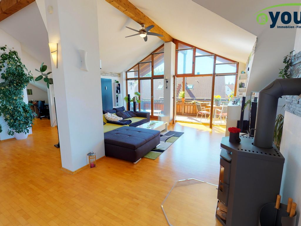 loft hnliche dachgeschoss wohnung in kaufbeuren haken. Black Bedroom Furniture Sets. Home Design Ideas