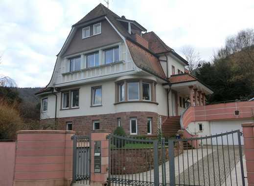 Wohnen im gepflegten Anwesen! 4 ZKB mit Terrasse und Garten im Gartengeschoss sucht ruhige Mieter!!