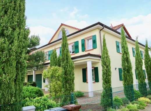 So sieht First-Class-Wohnen aus... repräsentatives und großes Villenanwesen im Landhausstil