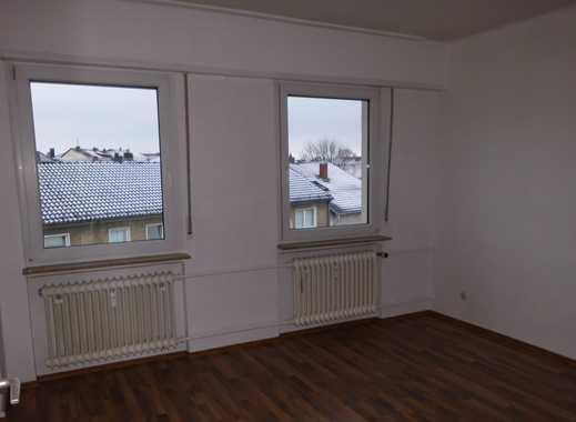 PROVISIONSFREI !!!!!!!  -Drei-Zimmer-Wohnung mit Balkon, nur hundert Meter zur Fußgängerzone