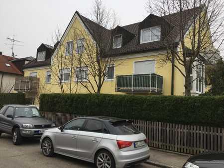 Stilvolle 2-Zimmer-Wohnung mit Balkon und Einbauküche in Trudering, München in Trudering (München)