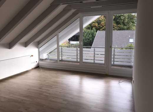 Exklusive vollständig neu renovierte Wohnung im 1.OG (Erstbezug) Einbauküche, Balkon, Keller