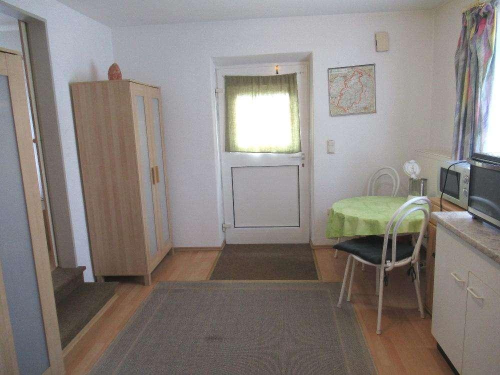 Ch.Schülke Immobilien: Nähe Freising-Appartement mit Wohnküche, für Pendler in