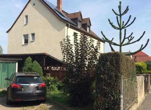 Doppelhaushälfte mit großem Garten in ruhiger Wohnlage
