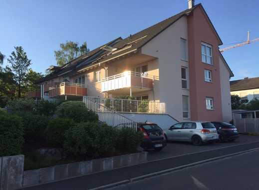 Möblierte, neuwertige 2-Zimmer-Dachgeschosswohnung mit Balkon und EBK in Herzogenaurach