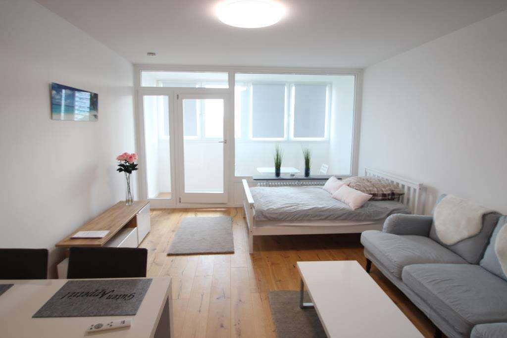 HEGERICH: Erstbezug nach Sanierung! Modernes Apartment am OEZ   in Moosach