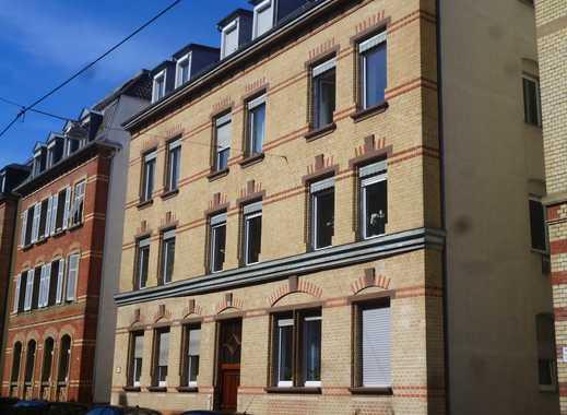 Schöne, großzügige 3-Zi-Wohnung mit Balkon in ruhiger Wohnlage von Stuttgart-Ost