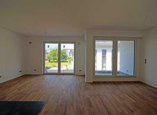 ERSTBEZUG: Etagenwohnung mit Balkon und Loggia