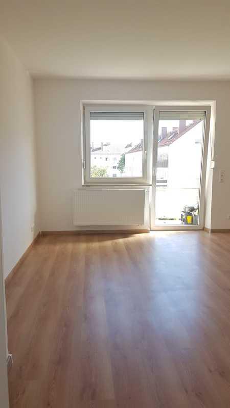 Erstbezug nach Kernsanierung; 3 ZKB + Balkon + neue Einbauküche; 70m² in Augsburg in Göggingen