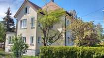 Großräumige 3-Zimmer-Wohnung mit Wintergarten Balkon