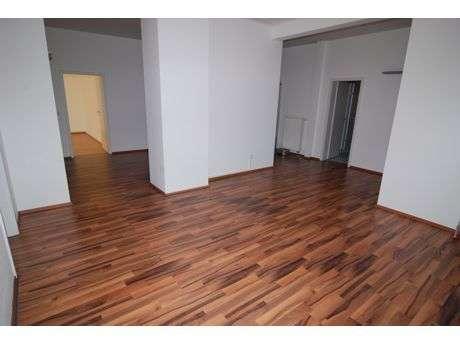 Zentrale gelegene, großzügige 6-Zimmer-Wohnung in Coburg-Stadt