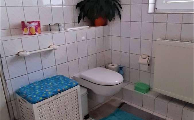 Badezimmer 2.