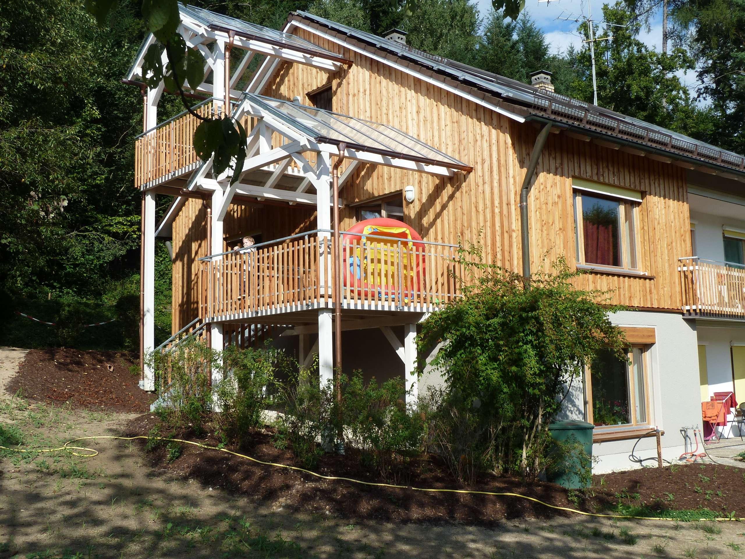 Gepflegte 4-Zimmer-Wohnung mit Balkon und Einbauküche in Metten in