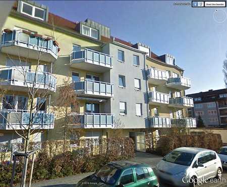 Helle gemütliche 2-Zimmer-DG-Wohnung mit Einbauküche in Nürnberg-Maxfeld in Maxfeld (Nürnberg)