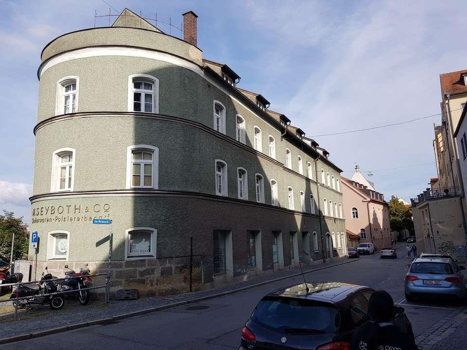 TOP-Lage! - günstige 4-Zimmer- Wohnung (wegen Umbau) zu vermieten in Regensburg-Innenstadt