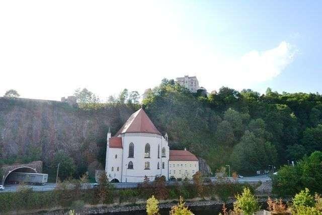 Schönes 2-Zimmer-Apartment mit Balkon in begehrter Lage. in Grubweg (Passau)