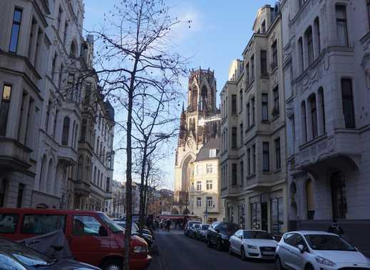 Im Schatten der Agneskirche...top-gepflegte 2,5 Zimmerwohnung