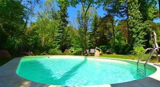 nur pro qm exklusive galerie architektenvilla mit pool direkt am naturschutzgebiet. Black Bedroom Furniture Sets. Home Design Ideas