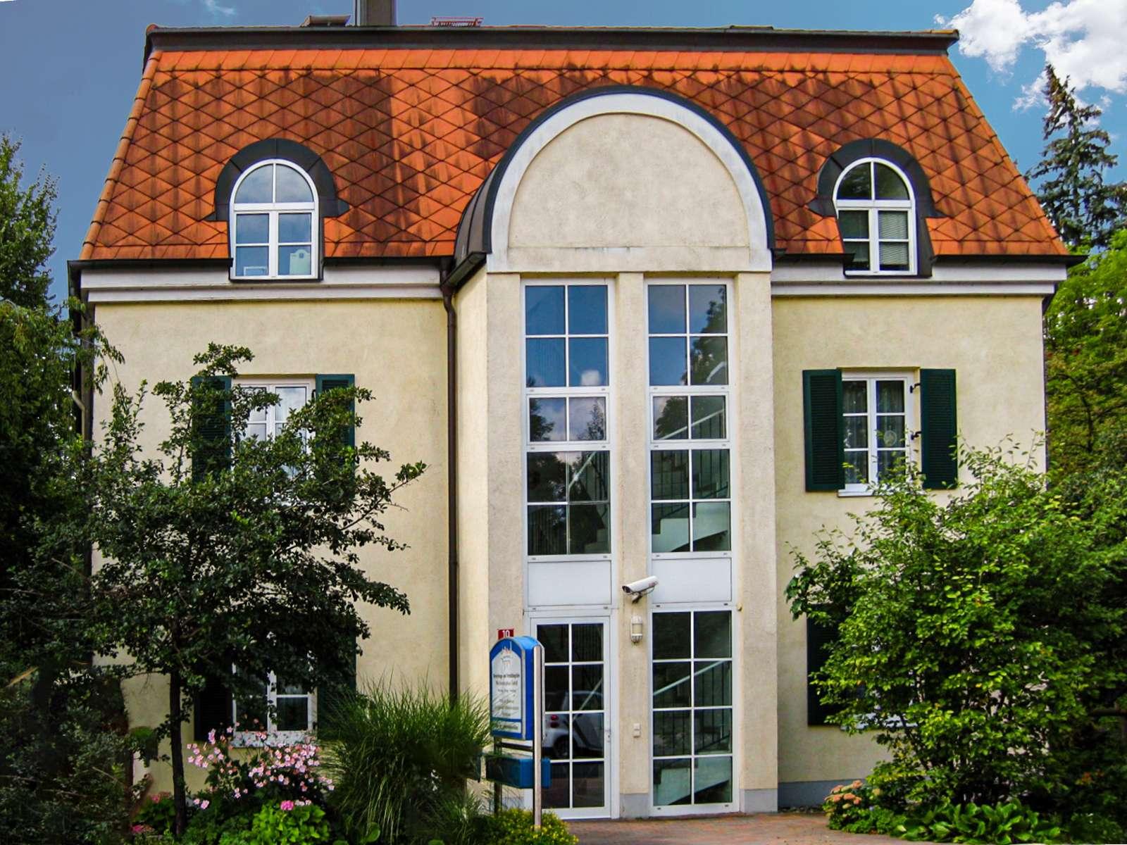 Exclusive 3-Zi DG Maisonette-Whg. mit EBK und großer Dachterrasse in Freising