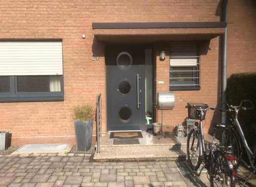 Schönes Haus mit fünf Zimmern in Rhein-Erft-Kreis, Hürth