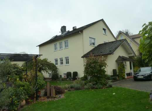 Sehr gepflegtes 2-3 Fam. Wohnhaus mit Nebengebäude (Sommerhaus) und Doppelgarage