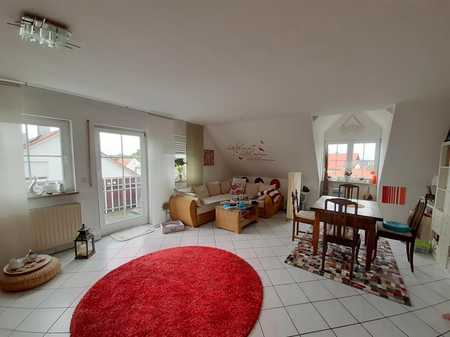 Schicke 2-Zimmer-Wohnung mit 2 Balkonen und Einbauküche in Bubenreuth in Bubenreuth