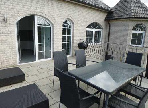 Grosse neuwertige 3-Zimmer-Wohnung mit Balkon in exklusivem Zweifamilienhaus in Hannover