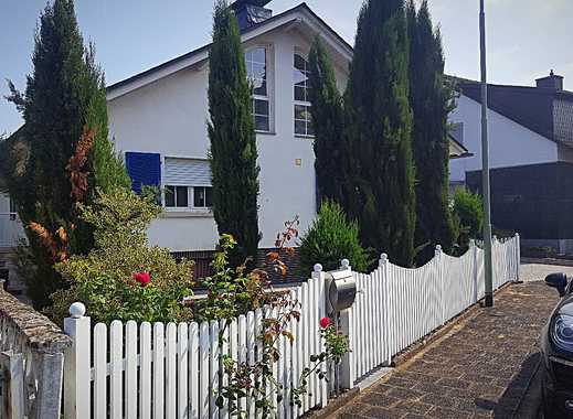 Sehr schönes Einfamilienhaus in Karben mit Garten und Pool - 634m² (218m² Wfl.)