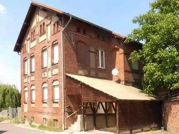 Einfamilienhaus mit Grundstück
