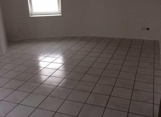 Schöne 2-Zimmer-EG-Wohnung mit Einbauküche in Deggendorf