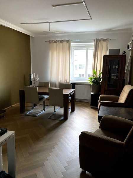 3 Zimmer Altbauwohnung mit Einbauküche und Sonnenbalkon in Haidhausen (München)