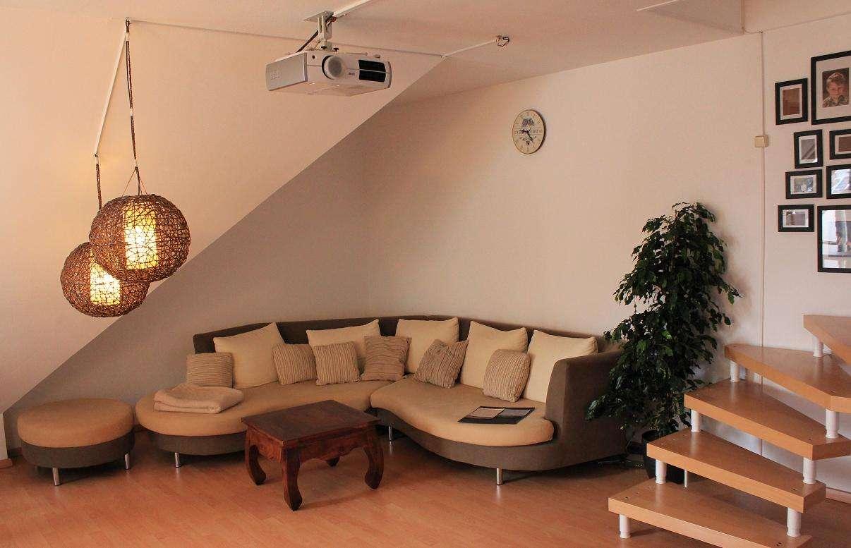 Modernisierte 3-Zimmer-Maisonette-Wohnung mit Balkon und EBK in Untermeitingen in Untermeitingen