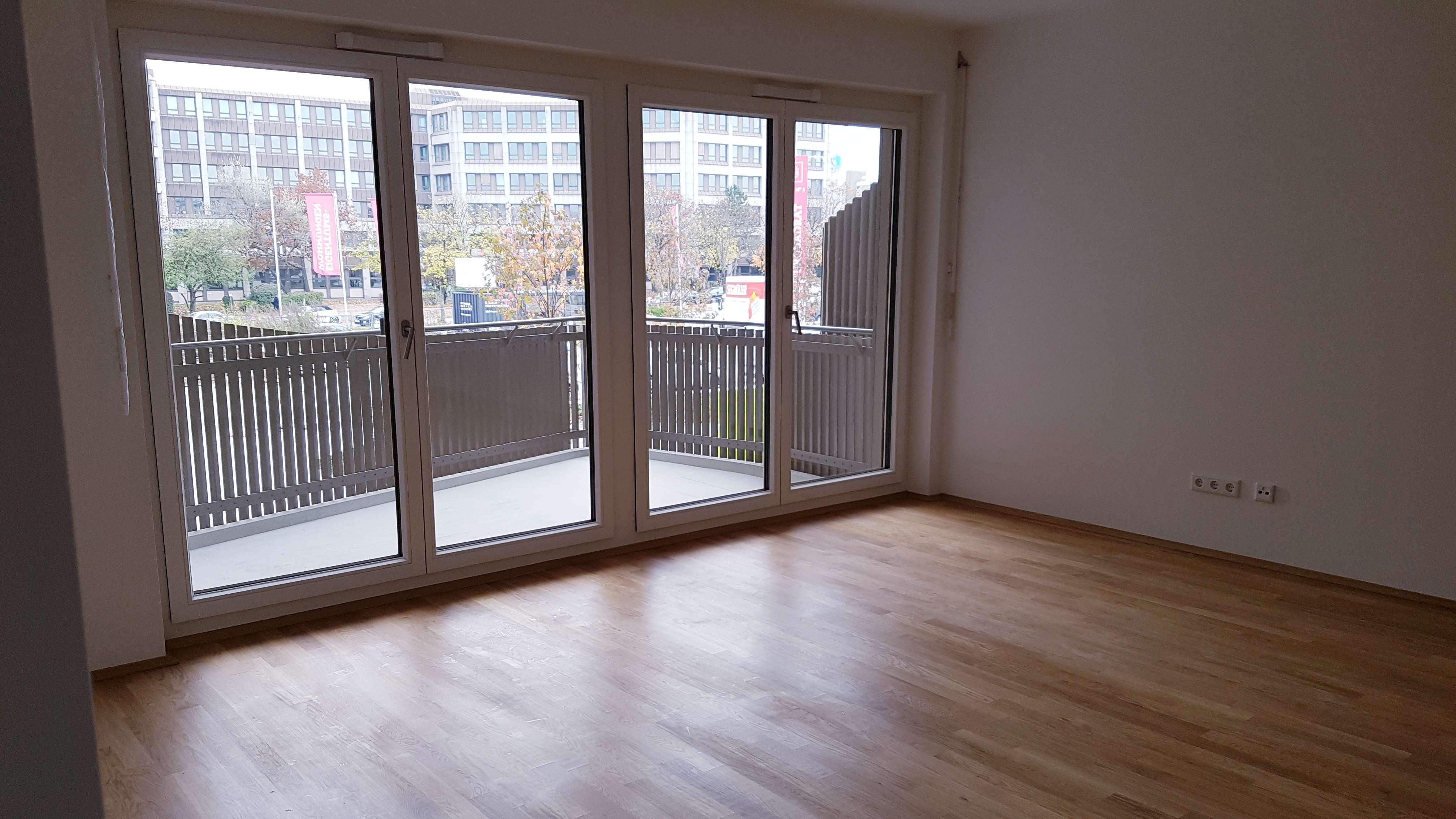 Erstbezug: Charmante 2,5-Zimmer-Wohnung in Top Lage mit EBK und Balkon in Perlach, München in Perlach (München)