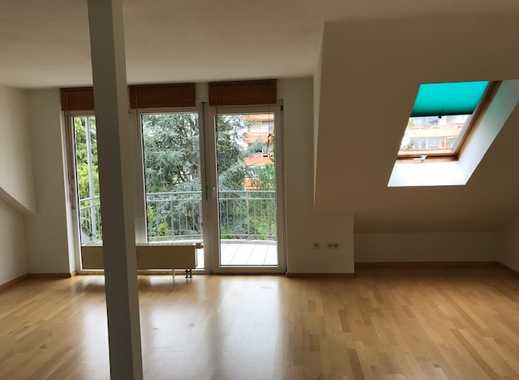 Gepflegte 2-Zimmer-DG-Wohnung im 3. OG - ideal für Singles - ab 1. Juni 2019