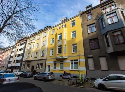 Altbauwohnung mit Terrasse nahe Medienhafen/Top Lage!