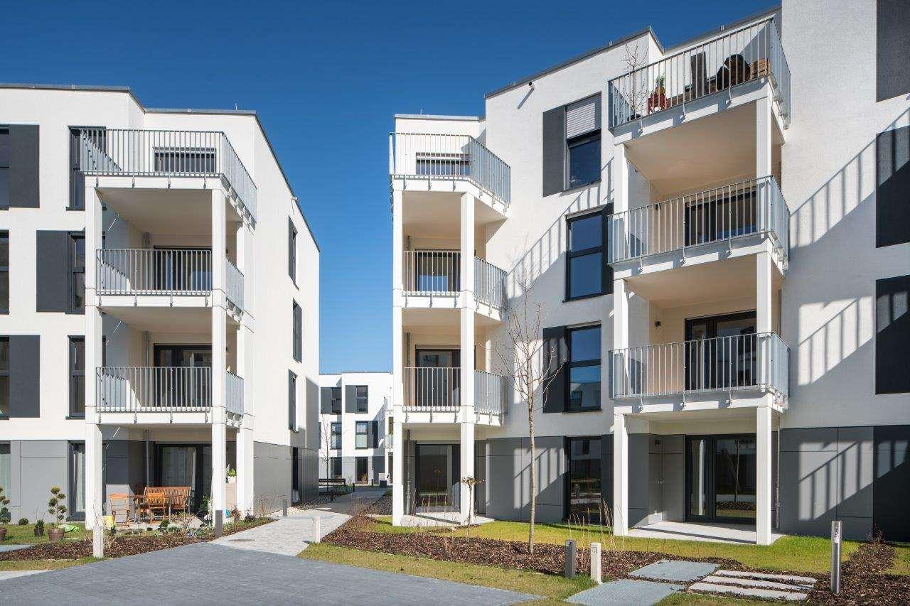 Erstbezug: gschöne 3,5-Zimmer-Wohnung mit Einbauküche und Balkon in Thon in Thon