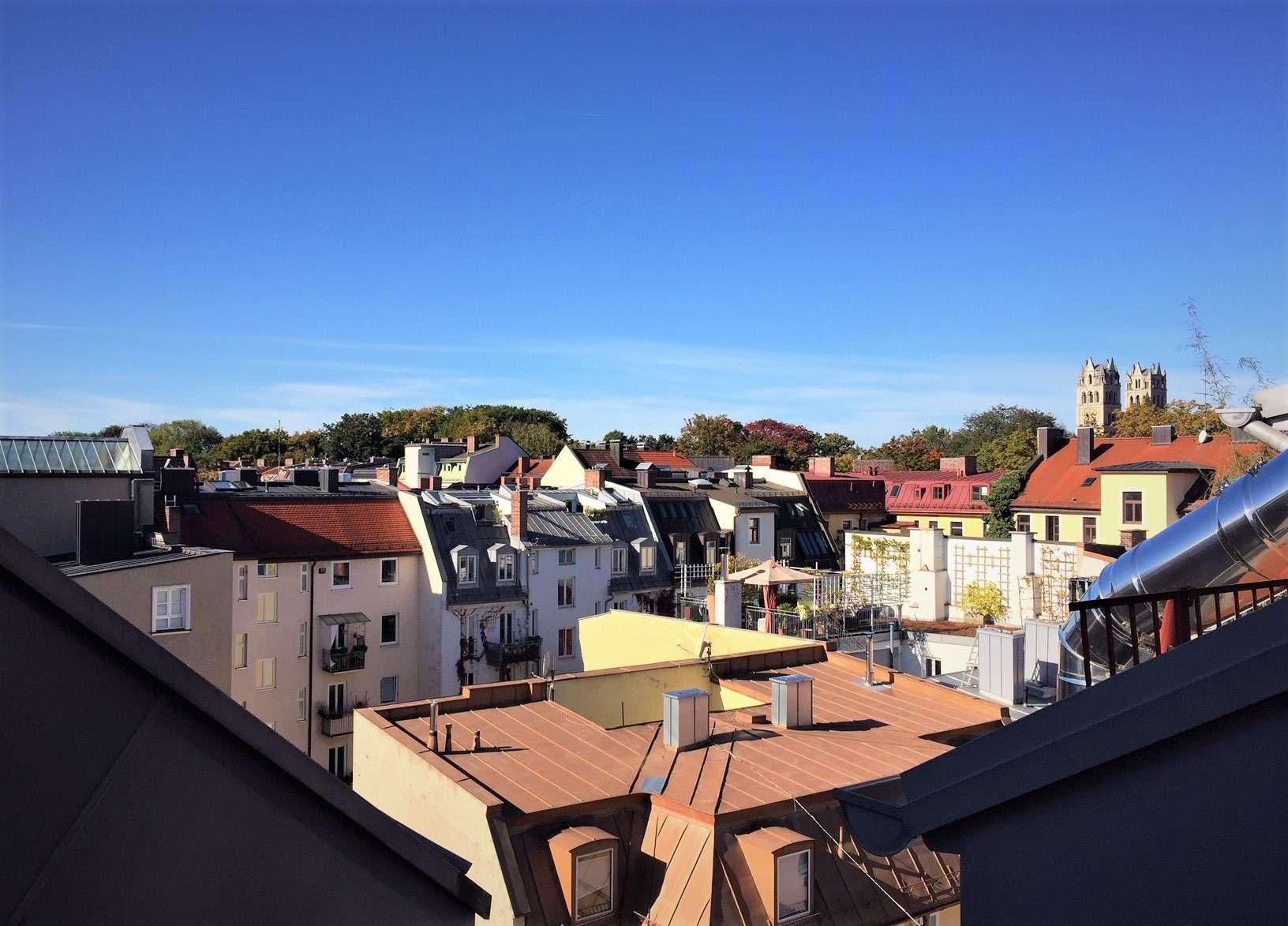 Großzügige Dachgeschosswohnung mit offener Küche und Galerie in Au (München)