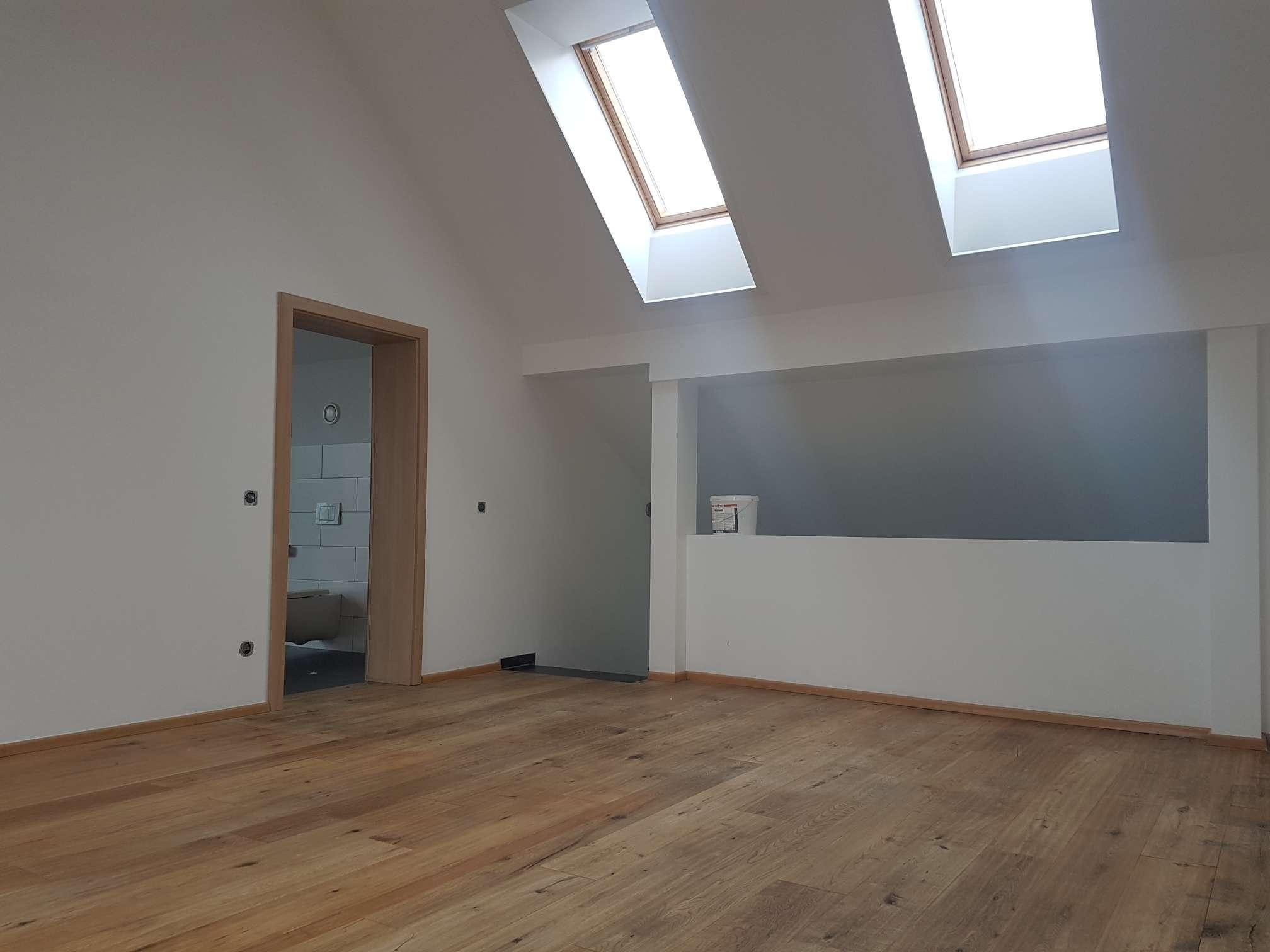 Vollständig renovierte 4-Zimmer-Wohnung mit Balkon und Einbauküche in Saal (Donau) in Saal an der Donau